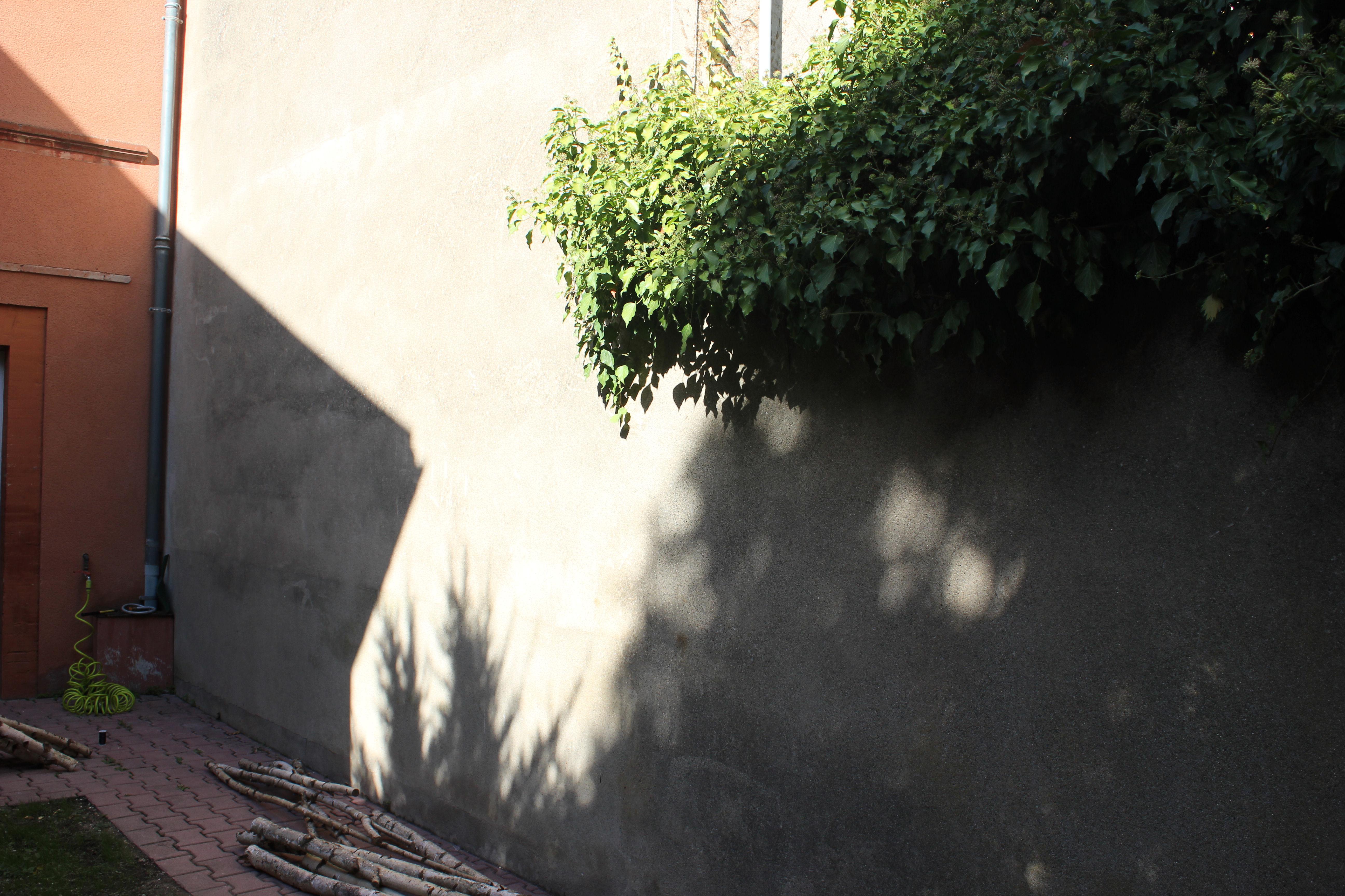 comment accrocher une guirlande lumineuse au mur exterieur. stunning